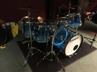 Mature Top drummer available North London