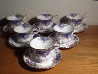 6x Royal Albert Moonlight Rose tea cups & saucers