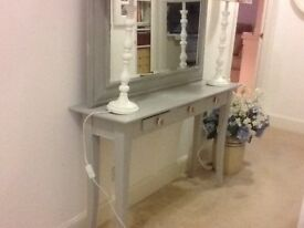 CONSOLE TABLE, HAND PAINTED IN GREY