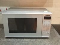 Panasonic microwave in very good condition. Combi inc. grill & auto frost. 800 watt.
