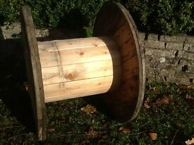 Wooden reel cable drum