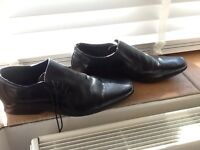 Mens black shoes Taylor and Wright size 10