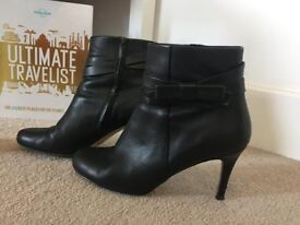 ***Kate Spade*** New York Black Leather Ankle Boots **Delivery possible**