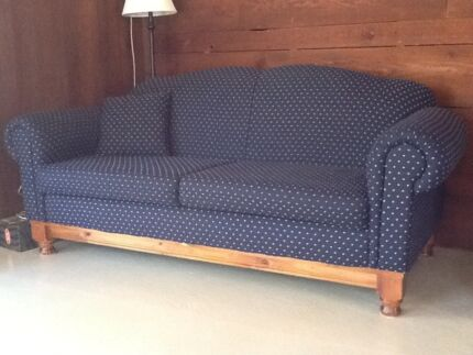 Large comfortable sofa couch very good condition 3 seater East Kurrajong Hawkesbury Area Preview