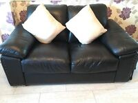 2 Seater and 2 Chairs Black in very good condition