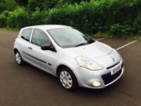 2011 Renault Clio ' BIZU ' Model ** LOW MILES/STUNNING CONDITION ** (a3,a4,corsa,golf,leon,207)