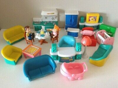 VINTAGE DOLLS HOUSE PLASTIC FURNITURE BUNDLE