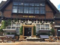 Experienced Waitress & Bar staff needed full time 25hrs plus