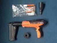 Spit nail gun p370