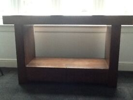 Walnut console table with 2 drawers in very good condition