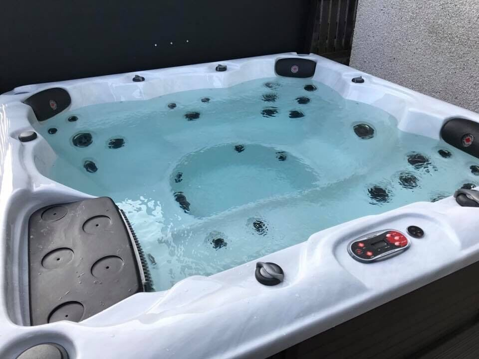 Canadian spa PRICE REDUCEDin Dyce, AberdeenGumtree - PRICE REDUCED FOR A QUICK SALE Winnipeg hot tub bought direct from Canadian spa company, delivered and installed in April this year. Still under its 2 year warranty. There are many photographs but more information can be found on the Canadian spa...