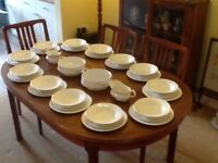 VINTAGE ROYAL STAFFORD 12 SETTING DINNER SERVICE UNUSED