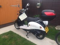 2012 - CBT & CAR LICENCE & LEARNER READY - MOPED - SCOOTER - MOTORBIKE - LOW MILES - LOVELY - £450