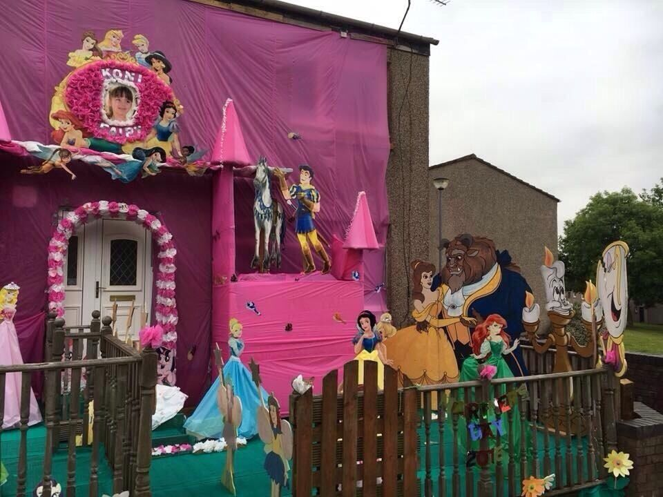 Gala day decorations arch in camelon falkirk gumtree for Decorating arches in house