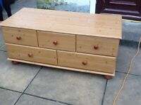 Solid pine chest of drawers/side unit/tv cabinet