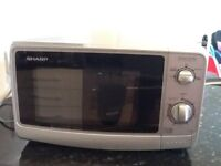 Sharp 800W/E silver microwave, good condition