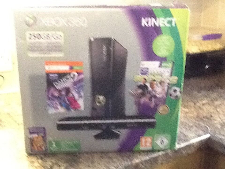X box 360 kinect accessories included