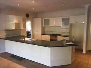 Kitchen High Gloss White Cheltenham Kingston Area Preview