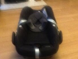 Baby car seat . Maxi cosi , imaculate condition .