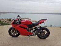 Ducati Panigale 1299S 2016 low mileage full Ducati service history