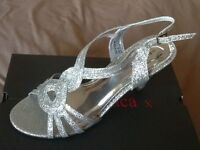 4 pairs brand new unworn silver sandals