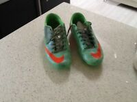 Nike football boots to clear £12 size 8.5