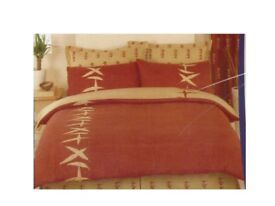 Double duvet cover and six pillow cases