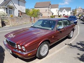 JAUGAR XJ8 very low miles Bereavement forces sale. Stunning Car throughout. REDUCED