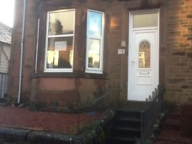 2 bedroom flat to let. Central location GCH , D G throughout