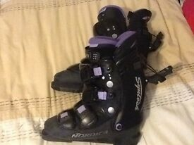 Ladies Nordica Syntech ski boots good condition with liners size 5