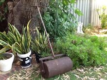 VINTAGE METAL LAWN / SAND /GRAVEL   ROLLER Floreat Cambridge Area Preview
