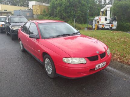Cheap vx commodore!!!!!(with roadworthy)!!!! Varsity Lakes Gold Coast South Preview
