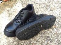 Size 8 safety shoe