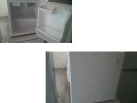 DAEWOO COMPACT TABLE TOP FRIDGE WITH SMALL FREEZER BOX GOOD WORKING ORDER CAN BE SEEN WORKING