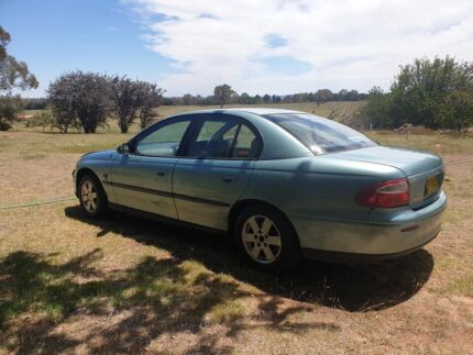 Cheap car Holden vx Young Young Area Preview