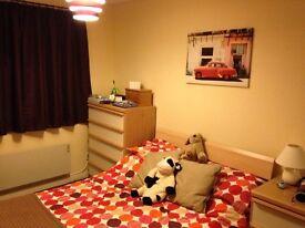 One bedroom, first(top)floor flat. 1 bed flat. Quiet cul-de-sac. Off-street parking.