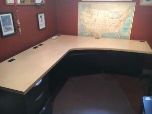 Heavy duty computer desk