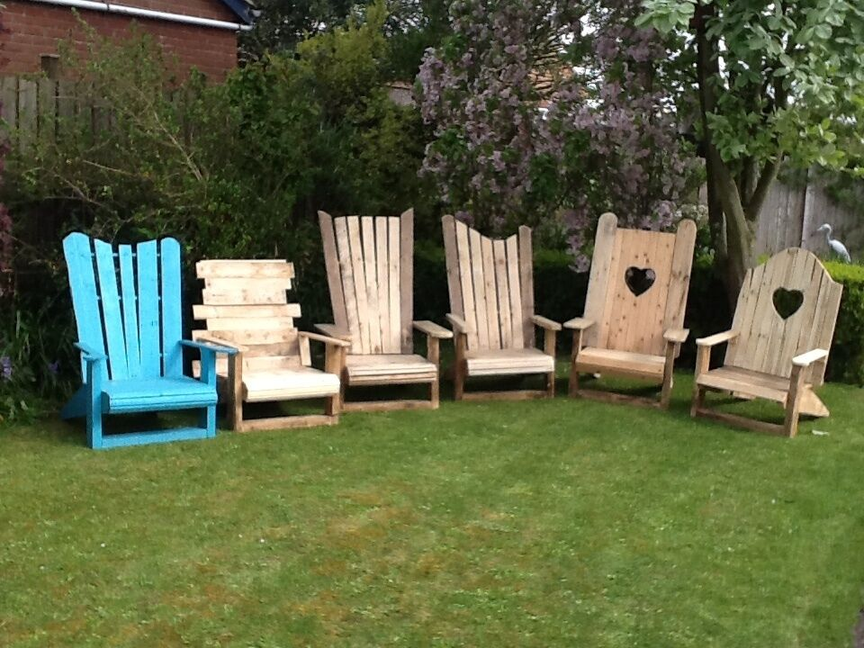 Rustic Garden Chairs Made From Reclaimed Wood Pallets