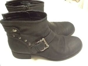 EARTH Black Leather Ankle Boots Women's Size 9.5 Buckle