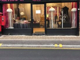 Large Double Front Shop To Rent On Markhouse Road With A1 & A2 Use £950 pcm