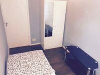 Bright room available in Northolt