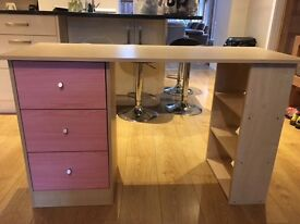 Girls dressing table ,used but in good condition W120cm xD49x H7cm