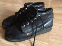 Kickers black hi -kick boots, laced, size 9/42, unisex