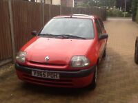 Renault Clio 5 door hatchback, 1.2L. MOT Dec '16
