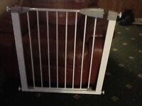 Lindam Extendable Child Safety Gate