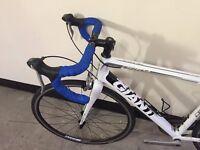 Giant Defy road bike size M cycling