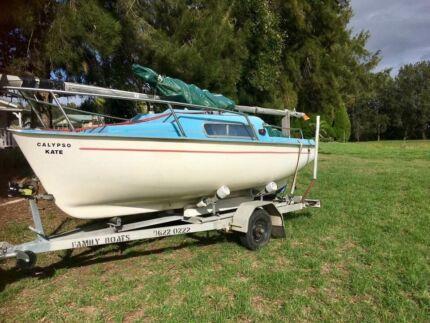 Cal 14 trailer sailer