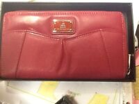 TOMMY AND KATE LIMITED PURSE (Brand new)