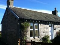 Delightful Country Cottage with Stunning views of The Forth/Rail Bridges