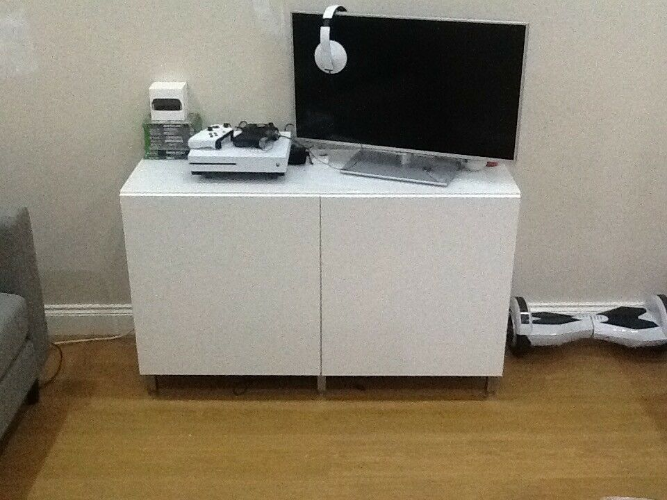 ikea white gloss sideboard tv unit in maryhill glasgow gumtree. Black Bedroom Furniture Sets. Home Design Ideas